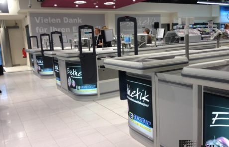 Kassa met beveliging door Pillen Checkouts