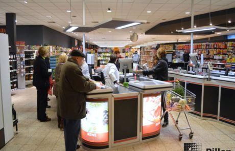 Pillen Checkouts dubbele kassa in supermarkt