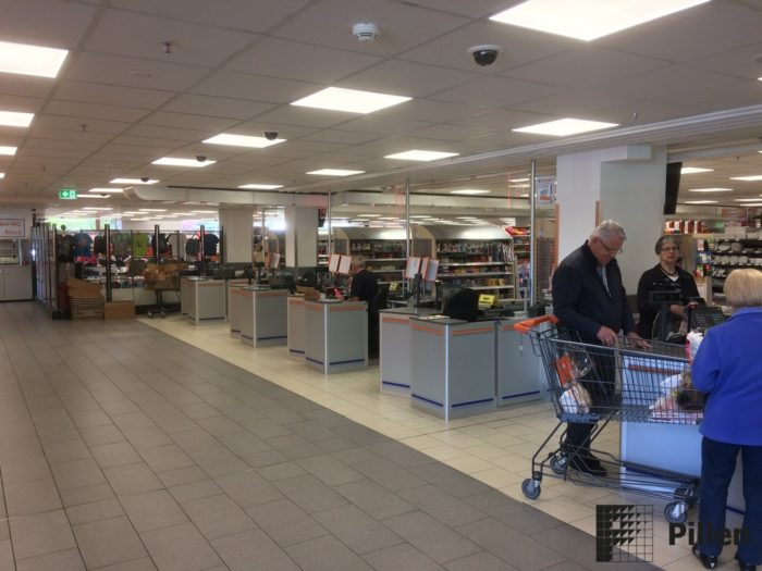 Discount kassameubel door Pillen Checkouts